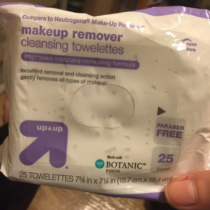 up & up Makeup Remover Cleansing Towelettes uploaded by Felecia F.