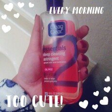 Clean & Clear Essentials Deep Cleaning Astringent uploaded by Gabriela G.