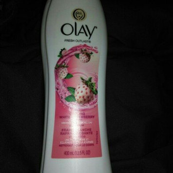 Olay Fresh Outlast Body Wash, Cooling White Strawberry & Mint, 13.5 fl oz uploaded by Velisha C.