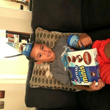 Tastykake® Minis Swirly Cupkakes 8 - 1.5 oz Packages uploaded by diana m.
