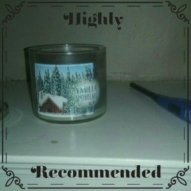 Bath & Body Works 3-Wick Candle 2016 Winter Edition Vanilla Snowflake [] uploaded by Valerie C.