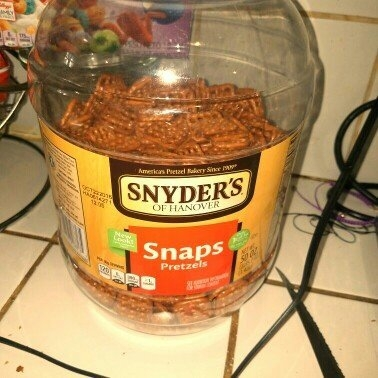 SNY1011039 - Snyder's Traditional Pretzel Snaps uploaded by Sophia k.