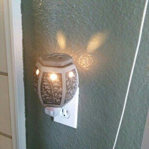 Photo of Estate Live Love Laugh Fragrance Accent Warmer uploaded by Rania Z.