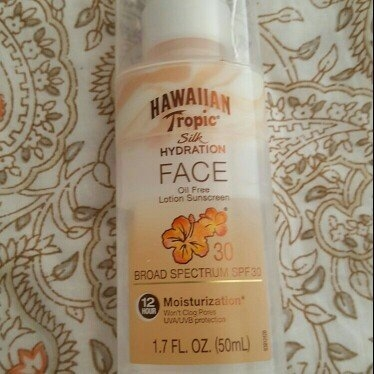 Hawaiian Tropic Silk Hydration Sunscreen Face Lotion with SPF 30 - 1. uploaded by Patricia C.