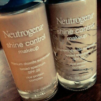 Photo of Neutrogena® Shine Control Liquid Makeup SPF 20 uploaded by Mirsa R.