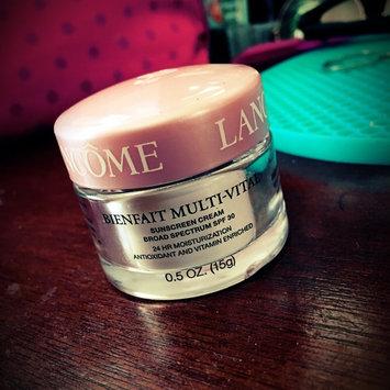 Photo of Lancôme BIENFAIT MULTI-VITAL - SPF 30 CREAM - High Potency Vitamin Enriched Daily Moisturizing Cream 1.69 oz uploaded by Yiselis R.