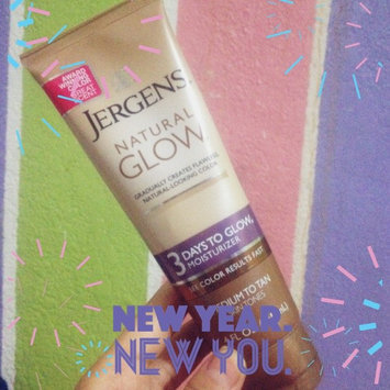 Jergens Natural Glow 3 Days to Glow Moisturizer uploaded by Hillary P.
