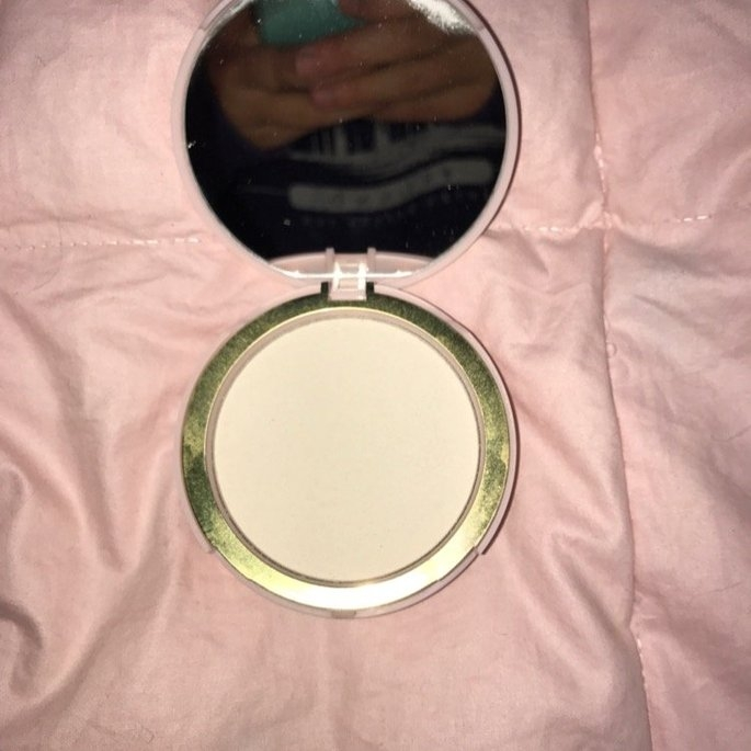 Too Faced Primed & Poreless Loose Powder uploaded by Chelsea M.