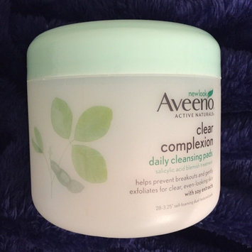 Aveeno Clear Complexion Daily Cleansing Pads uploaded by Vanna L.