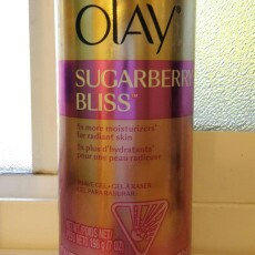 Photo of Gillette Venus with a Touch of Olay Shave Gel Sugarberry Bliss uploaded by Veronica N.