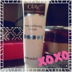 Photo of Olay Regenerist Luminous Skin Tone Perfecting Cream uploaded by Savanna P.