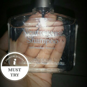 Neutrogena Anti-Residue Shampoo uploaded by Veró d.
