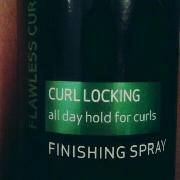 TRESemme Flawless Curls, Curl Locking Finishing Spray 10 oz uploaded by Rocío E.