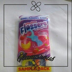 Plackers Dual Grip Fruit Smoothie Swirl Kid's Flossers uploaded by Mandy M.