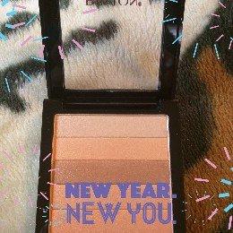 Photo of Revlon Highlighting Palette uploaded by Alysha L.