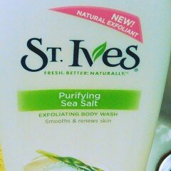 Photo of St. Ives Purifying Sea Salt & Pacific Kelp Body Wash uploaded by Janis H.