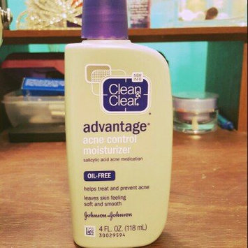 Clean & Clear Advantage Acne Control Moisturizer uploaded by Erika R.