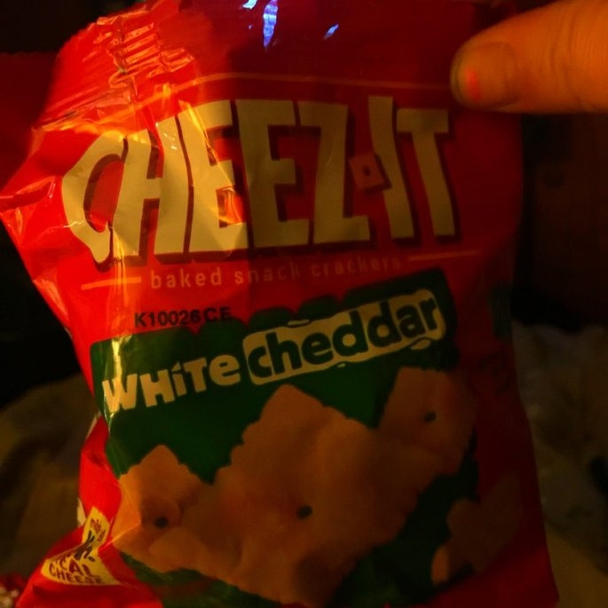 Sunshine Cheez-It Baked Snack Crackers White Cheddar uploaded by Jennifer H.