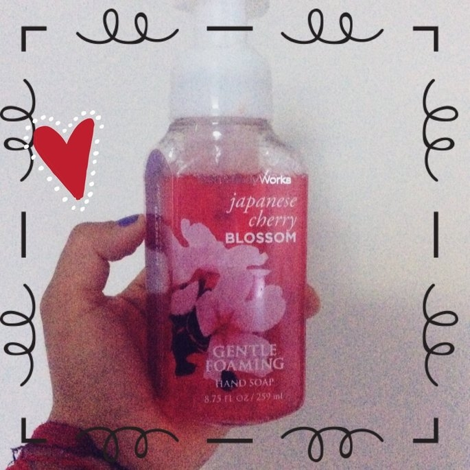 Bath & Body Deep Cleansing Hand Soap Japanese Cherry Blossom uploaded by Maria S.