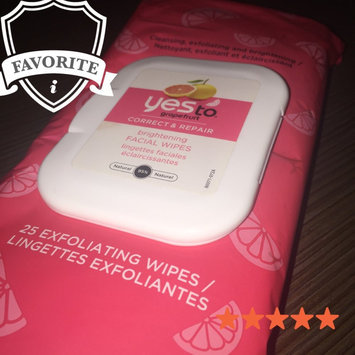 Photo of Yes To Grapefruit Facial Wipes Correct & Repair Towelettes uploaded by Lucy L.