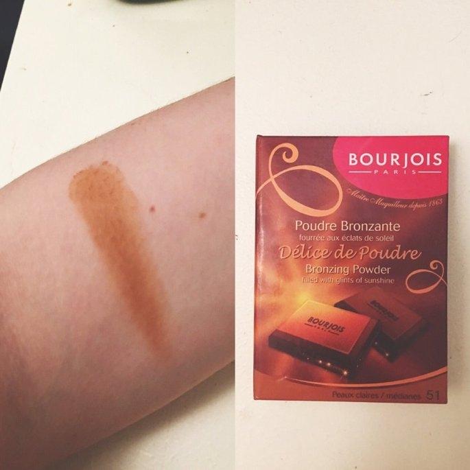 Bourjois Bronzing Powder - Délice de Poudre uploaded by Catherine C.