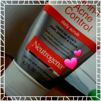 Neutrogena All-in-1 Acne Control Daily Scrub uploaded by member-c71caaa8c