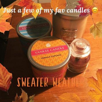 Photo of Yankee Candle Housewarmer Vanilla Cupcake Medium Lidded Candle Tumbler uploaded by Deseray B.