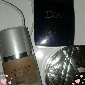 Photo of Dior Capture Totale Triple Correcting Serum Foundation Wrinkles-Dark Spots-Radiance With Sunscreen Broad Spectrum SPF 25 uploaded by Penelope H.