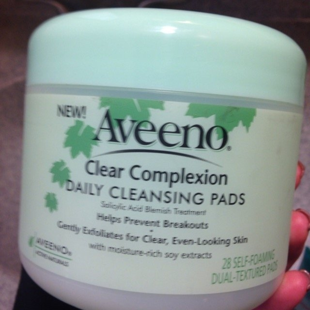 Aveeno Clear Complexion Daily Cleansing Pads uploaded by Sarah G.