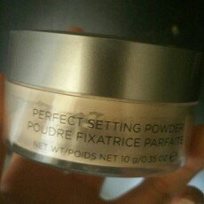COVER FX Perfect Setting Powder uploaded by Lisa n.