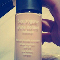 Neutrogena Makeup Shine Control with SPF 20 uploaded by Alyssa F.