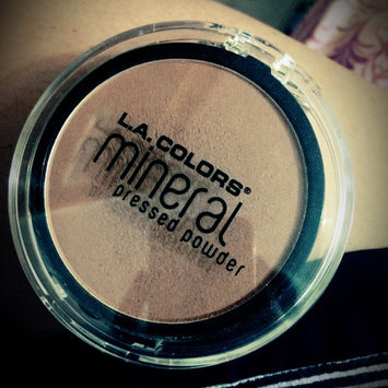 Photo of L.A. Colors Mineral Pressed Powder uploaded by Maria V.