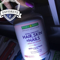 Nature's Bounty Hair, Skin & Nails uploaded by Tayane F.