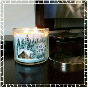 Photo of Bath & Body Works 3-Wick Candle 2016 Winter Edition Vanilla Snowflake [] uploaded by Kristen  C.