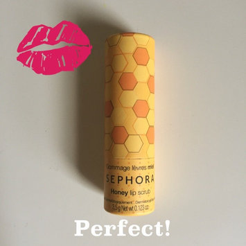 SEPHORA COLLECTION Lip Balm & Scrub Honey 0.123 oz/ 3.5 g uploaded by Yancy W.