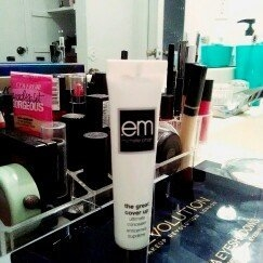 em michelle phan The Great Cover Up Ultimate Concealer uploaded by Brittany D.