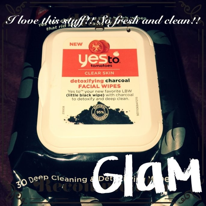Yes to Tomatoes Clear Skin Detoxifying Charcoal Facial Wipes uploaded by Amy S.