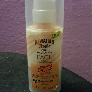Hawaiian Tropic Silk Hydration Sunscreen Face Lotion with SPF 30 - 1. uploaded by Chantel K.