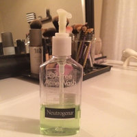 Neutrogena Oil-Free Acne Wash Redness Soothing Facial Cleanser uploaded by karina n.