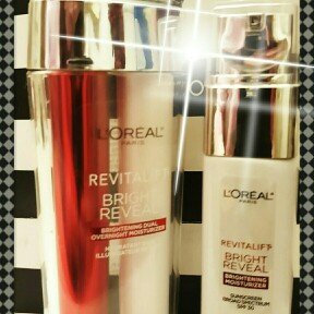 L'Oréal Paris Revitalift Bright Reveal SPF 30 Moisturizer uploaded by Shana C.