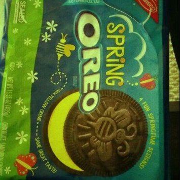 Photo of Nabisco Oreo Sandwich Cookies Spring Chocolate uploaded by Tay S.