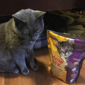 Photo of Meow Mix Original Choice Cat Food uploaded by Viviana B.