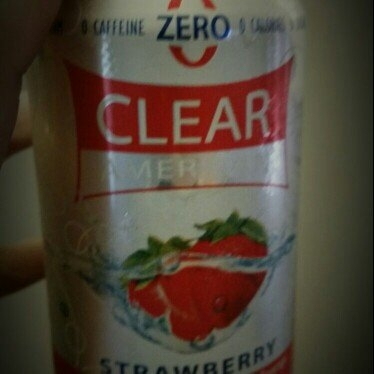 Sam's Choice Clear American Strawberry Sparkling Water, 33.8 fl oz uploaded by Megan E.