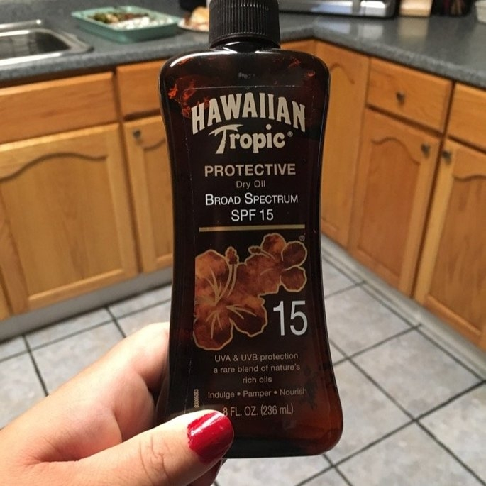 Hawaiian Tropic Protective Dry Oil Sunscreen uploaded by Leslie M.