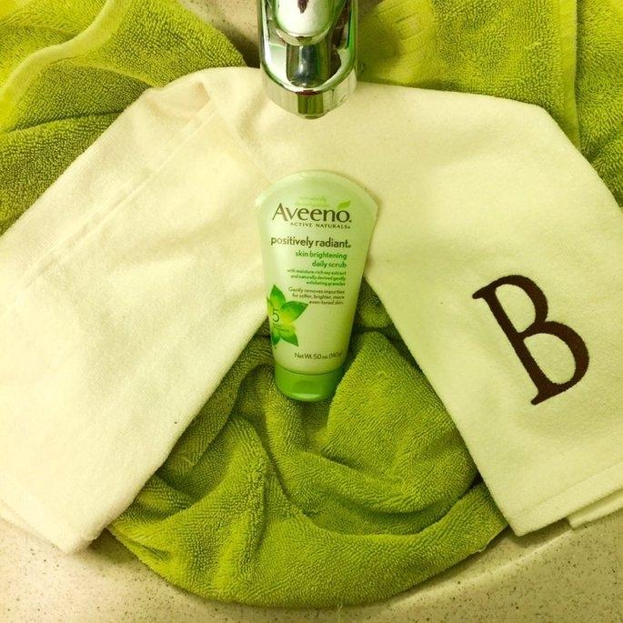 Aveeno Positively Radiant Skin Brightening Daily Scrub uploaded by Shannon B.