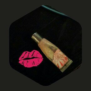 Photo of Maybelline New York Shine Sensational Lip Gloss uploaded by angela m.