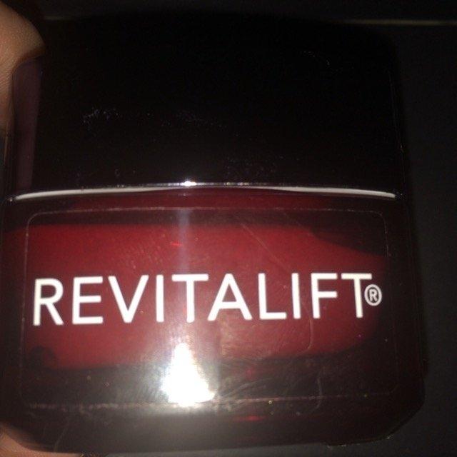 L'Oréal Paris RevitaLift® Triple Power Deep Acting Moisturizer uploaded by Tiffany D.