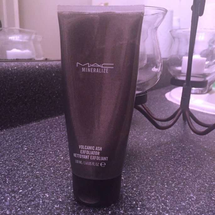 M-A-C Mineralize Volcanic Ash Exfoliator uploaded by Tanasia F.