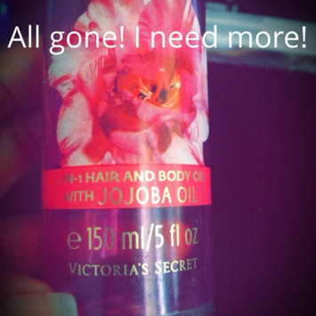 Photo of VICTORIA's SECRET Love Addict 2-in-1 Hair and Body oil with JOJOBA Oil -150ml/5 oz uploaded by Chikamnario U.