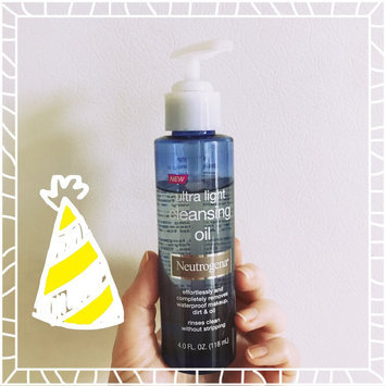 Photo of Neutrogena® Ultra Light Cleansing Oil uploaded by Erin P.